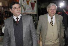 Enrique Villanueva y su abogado, Roberto Celedón.