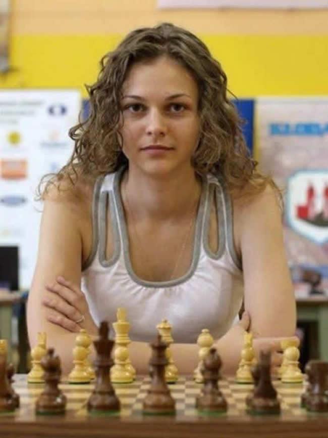 Anna Muzychuk: La Campeona que Perdió Dos Títulos por Negarse a Jugar en Arabia Saudí