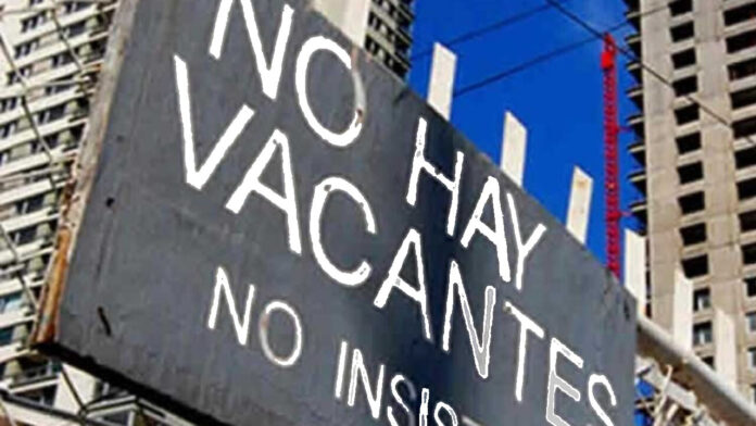 Desempleo Disminuye Porque Aumentan los que Desisten de Buscar Empleo