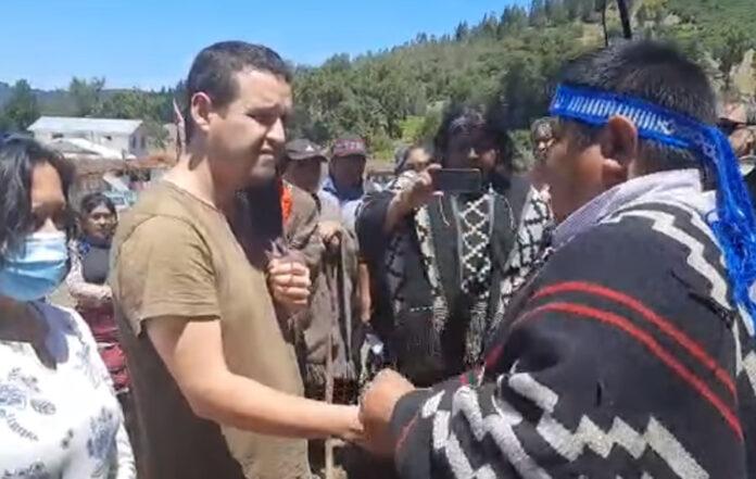 Madre y Hermano de Policía Asesinado Visitaron comunidades mapuche de Temucuicui