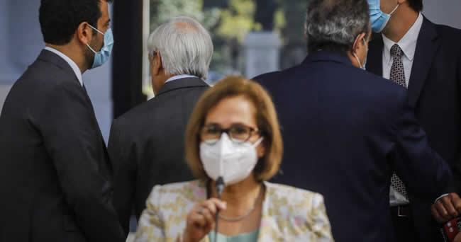 Piñera desaira a Adriana Muño<