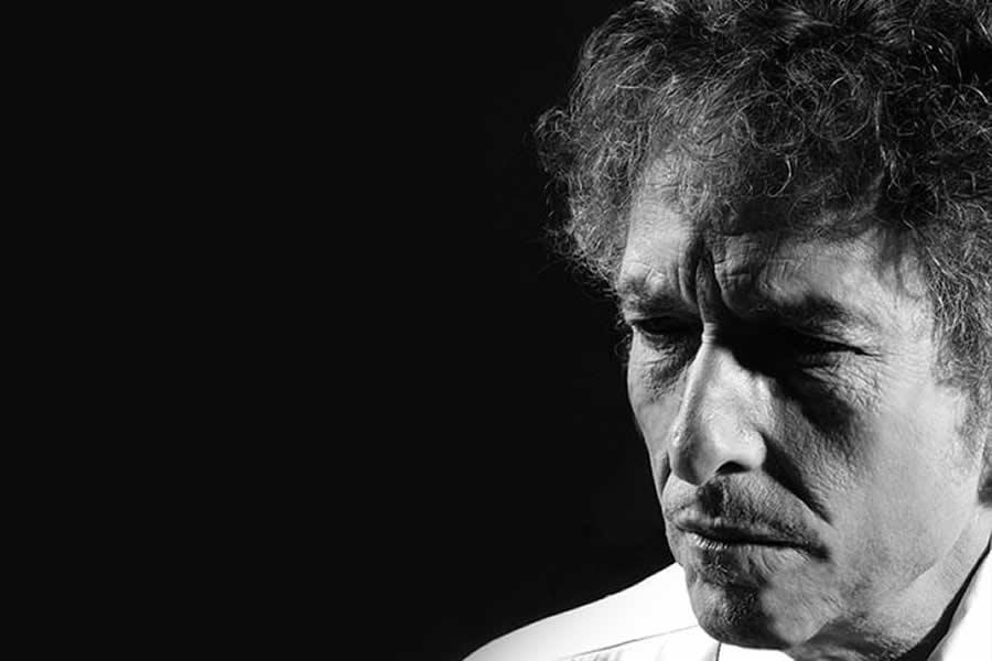 Bob Dylan: 80 Años de un Mito que se Construyó a Sí Mismo